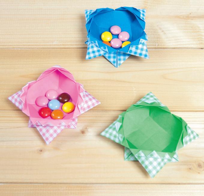 【簡単!折り紙】お菓子入れやアクセサリー入れになる箱の ...