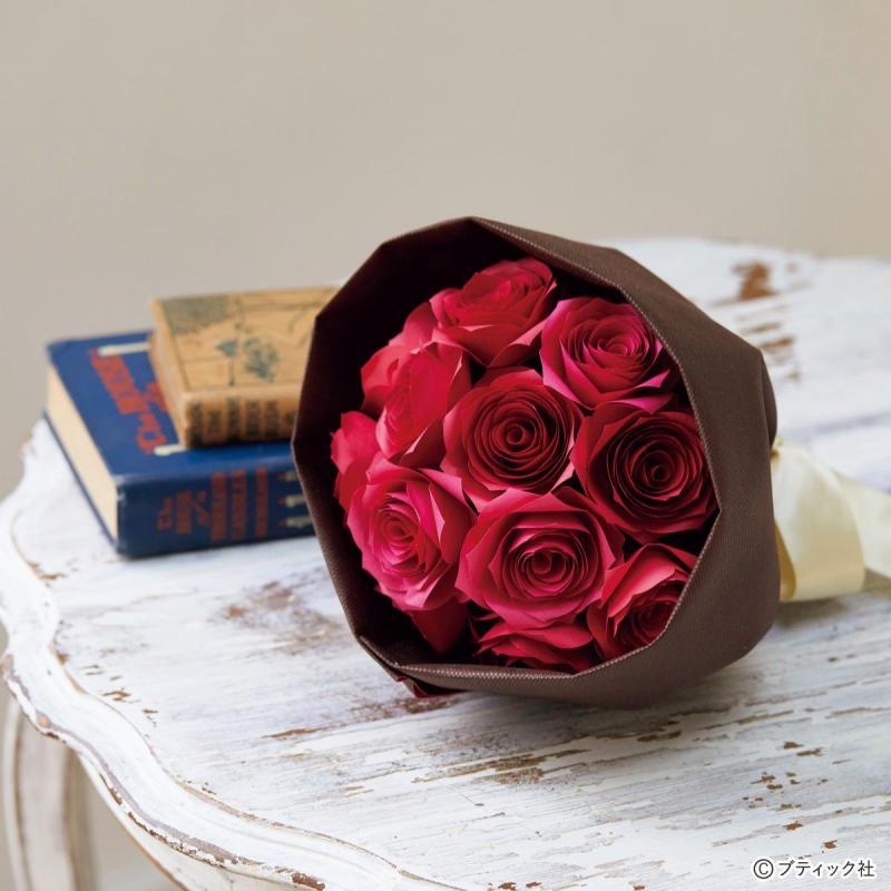画用紙で作る!立体的なバラの花束の作り方