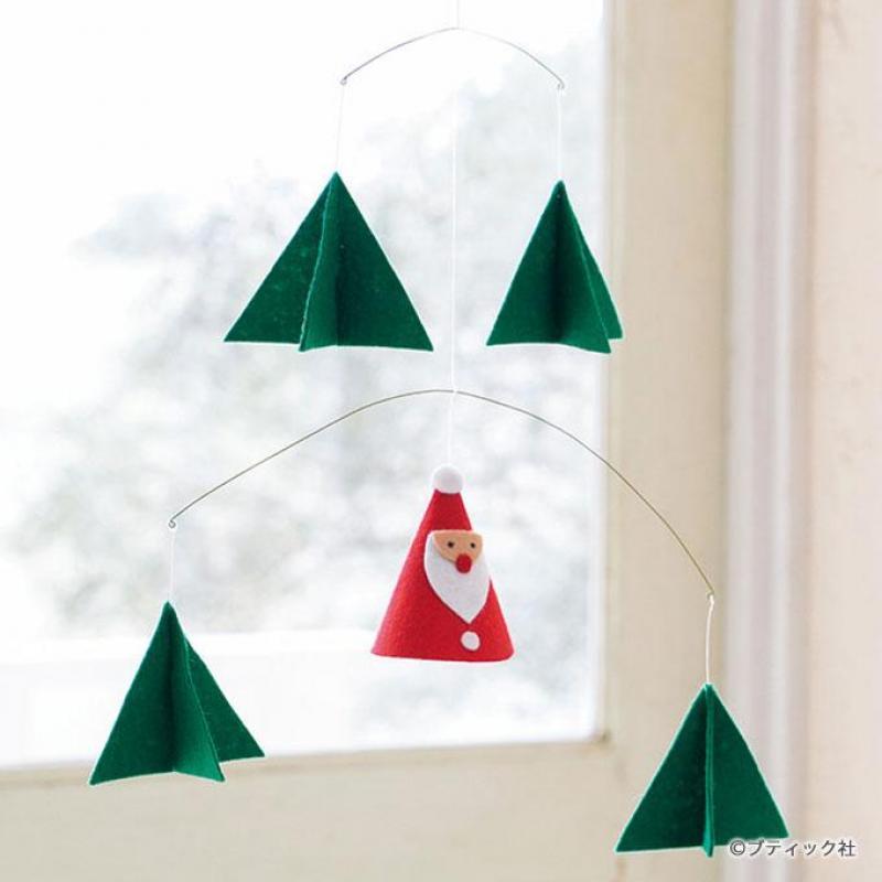 サンタがかわいいクリスマスモビールの作り方