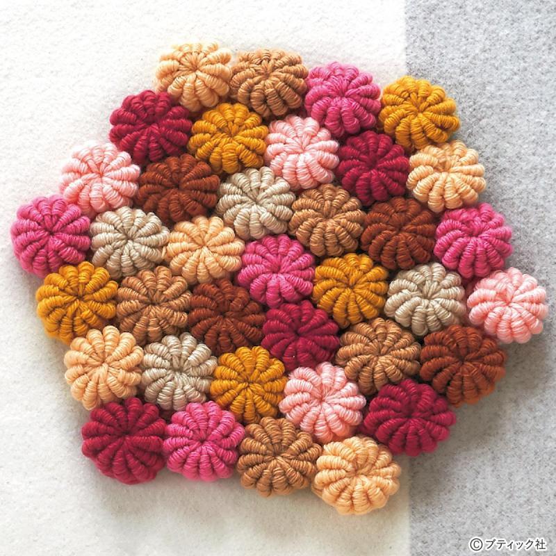 かぎ針のレシピ「コイル編みの角座」の編み方