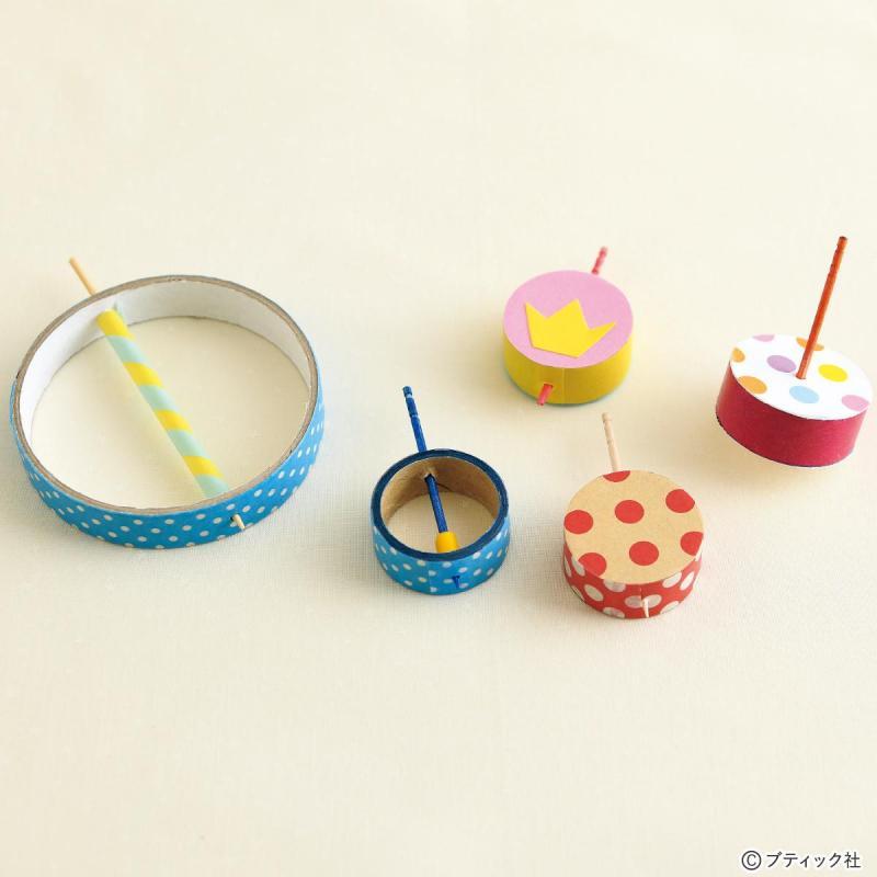 リサイクル工作「テープの芯でくるくるコマ」の作り方
