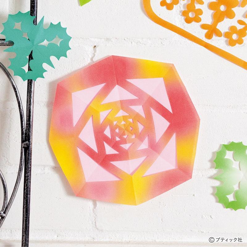 折り紙の切り絵「バラ」の作り方