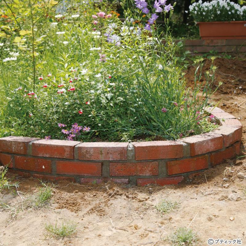 ガーデニング「レンガの花壇」作り方