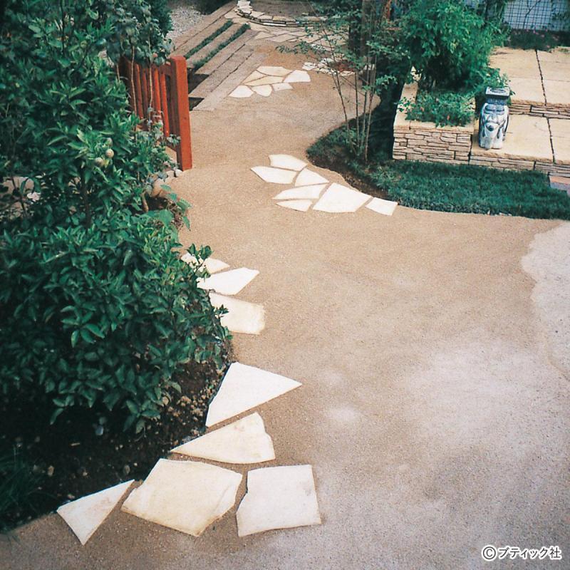 「真砂土舗装材でローメンテナンスの庭をつくる」やり方