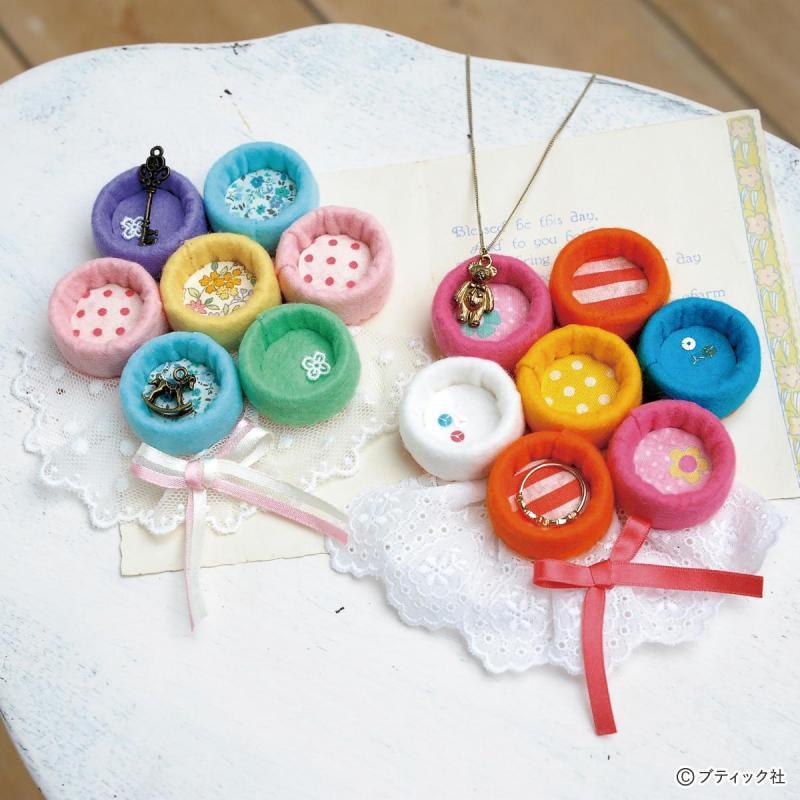 簡単!かわいい!ペットボトルキャップで作る花形の小物入れの作り方(リサイクル雑貨)