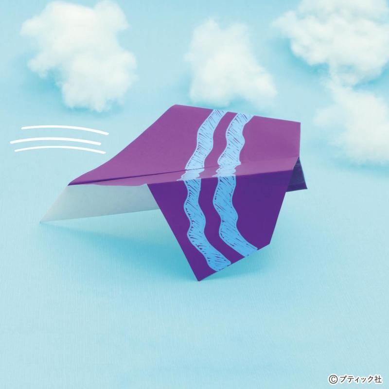 簡単!子どもと一緒に作って&遊んで楽しい!宙返り紙飛行機の折り方(おりがみ)