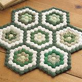 パッチワークのミニキルトの作り方♪秋に作りたい緑色の六角形