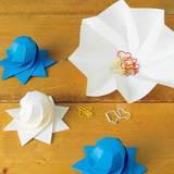 折り紙で手作り!立体的な球体ラッピング8枚羽根の折り方