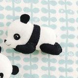 フェルトで作る!うつ伏せで眠るかわいいパンダの赤ちゃんのマスコットの作り方(布小物)