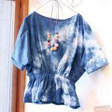 キッチンでお手軽 草木染め!夏らしいインド藍で木綿ブラウスの染め方