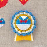 ドナルドのクロスステッチの図案&くるみボタンのロゼットの作り方