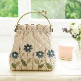 花のアップリケがかわいい!がま口持ち手のミニハンドバッグの作り方