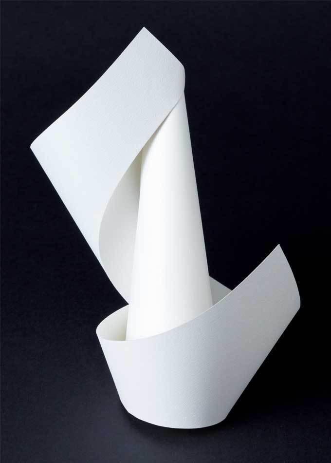折り紙で作る花の曲線が美しい立体オブジェ 水芭蕉の折り方